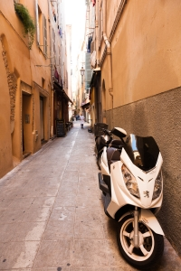 Street scene in Nice with scooter (peugeot naturally)
