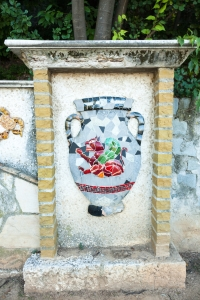 Nice Vase mosaic on wall